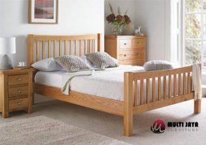Tempat Tidur Minimalis TT066