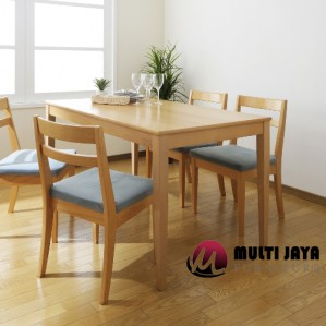 Meja Makan Jati DT054