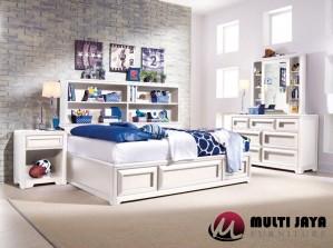 Set Tempat Tidur Minimalis TT77