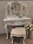 Meja Rias Minimalis Putih MTC010