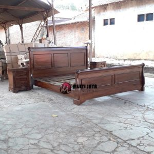 Set Tempat Tidur Bagong